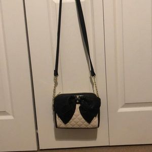 Cute betsy Johnson purse